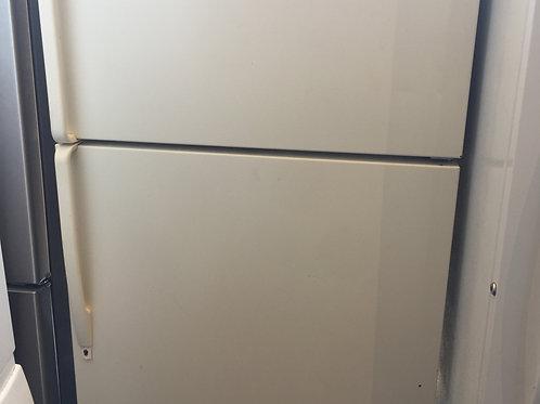 "33""whirlpool top bottom fridge 90 days warranty"