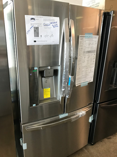 LG Showcase  FrenchDoor Stainless(Damaged)