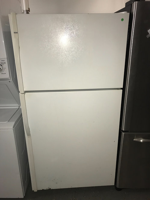 Kenmore White Top and Bottom Fridge 0016