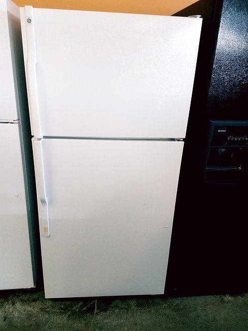 30'' GE White TOP BOTTOM FRIDGE