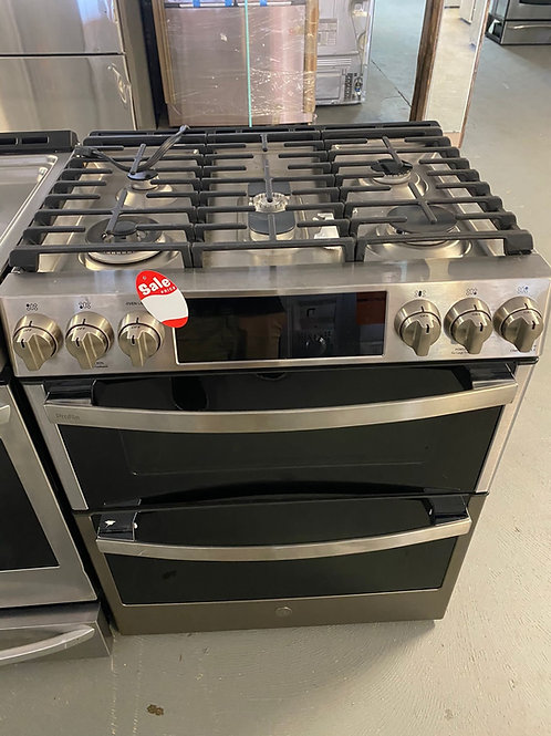 Ge profile stainless steel 5 burners gas range with convection feature
