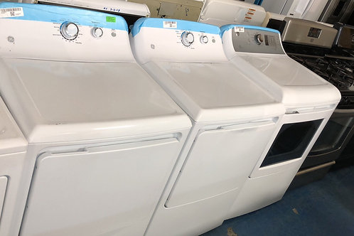 Brand new scratch and dent electric dryer with 1 year warranty