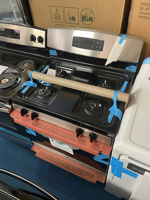 Ge brand new gas stove great working order with 1 year warranty
