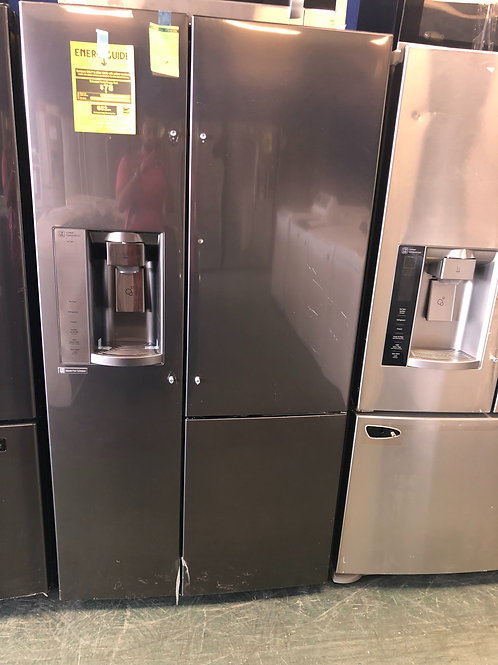 36by69 NEW LG SIDE BY SIDE DOOR IN DOOR FRIDGE BLACK STAINLESS STEEL WITH 1 YEAR