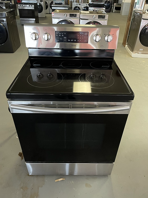 """Samsung return model 30"""" stainless steel electric Convection stove."""