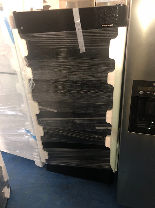 "30""cuft new Frigidaire top bottom fridge with 1 year warranty"