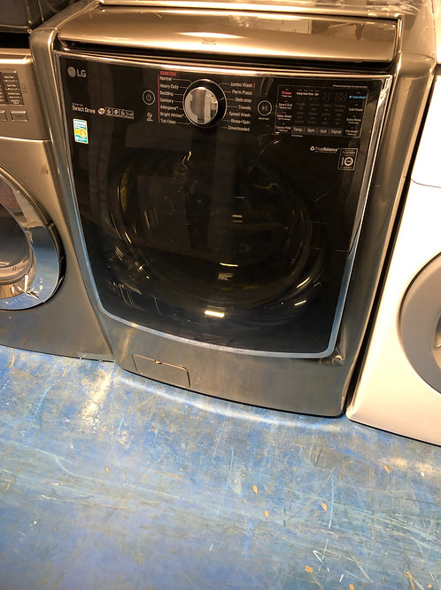 5.2 lg new scratch dent front load washer with 1 year warranty