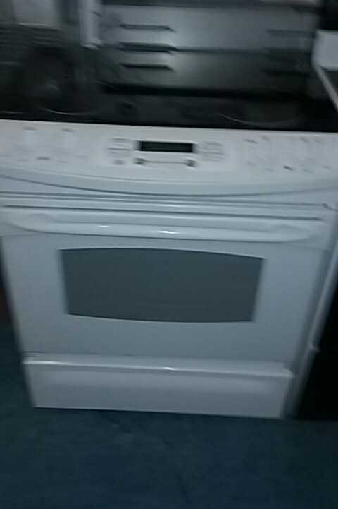 ge slide in stove electric with 90 days warranty