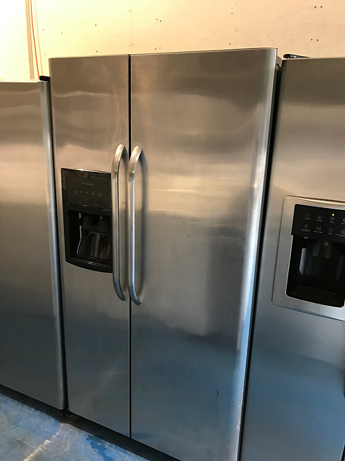 "36""FRIGIDAIRE STAINLESS SIDE BY SIDE FRIDGE GREAT WORKING  WITH 90 DAYS WARRANTY"