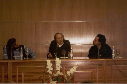 MESA REDONDA DE AMANCIO PRADA, JUAN TROVA Y JOSE LUIS PAREJA