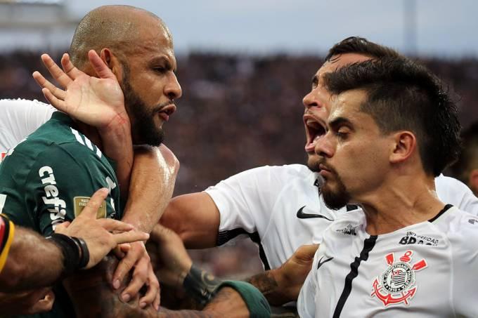 Clássico entre Palmeiras e Corinthians é sempre um jogo bem disputado Foto: Paulo Whitaker