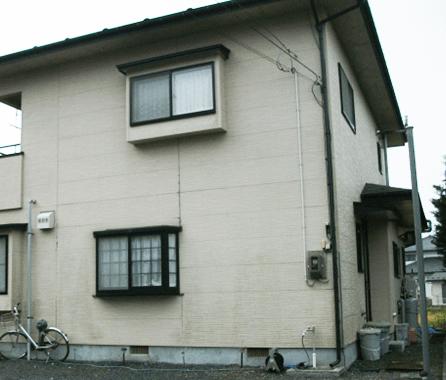 傾倒した住宅
