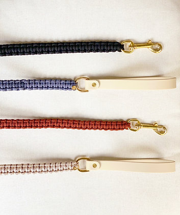 [2-3 Week Processing] Paracord Dog Leash with Biothane Handle