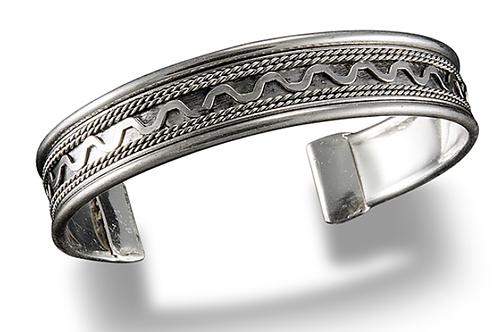 Cuff Bracelet 516