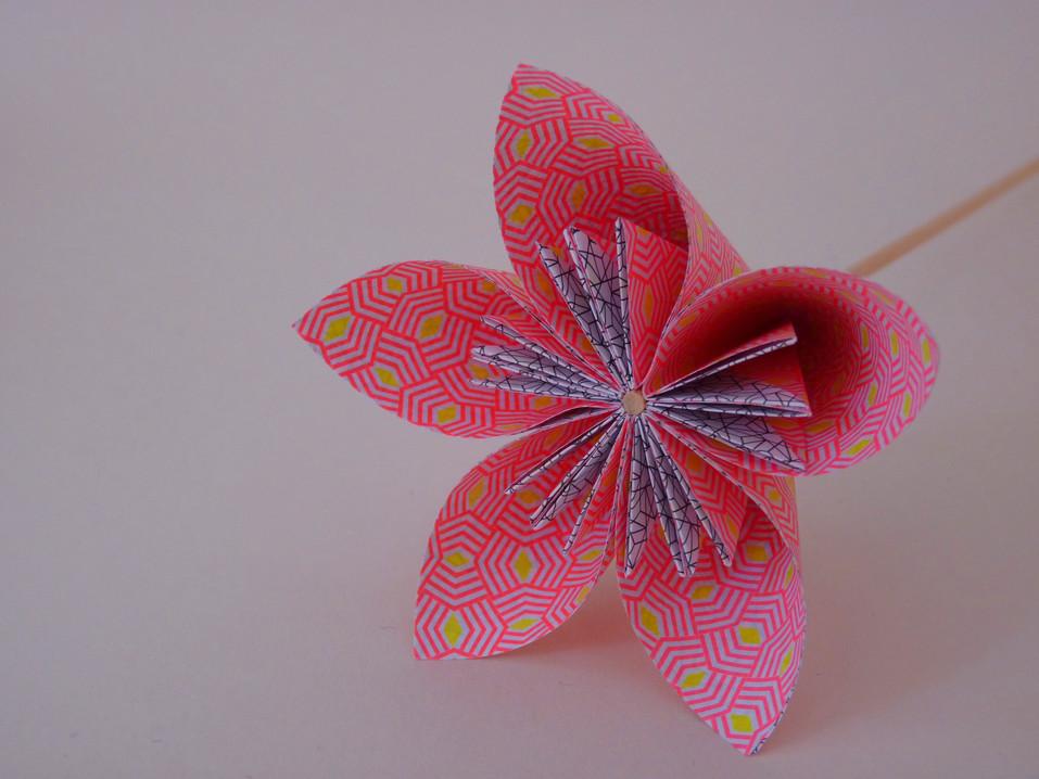 Fleur_en_origami_5_pétales_-_Ateliers_or