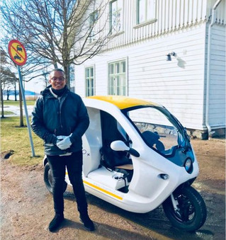 South African takes on Uber and Taxify with scooters – after they rejected his job application ten t