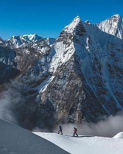mountain-climbing-himalaya-nepal.jpg