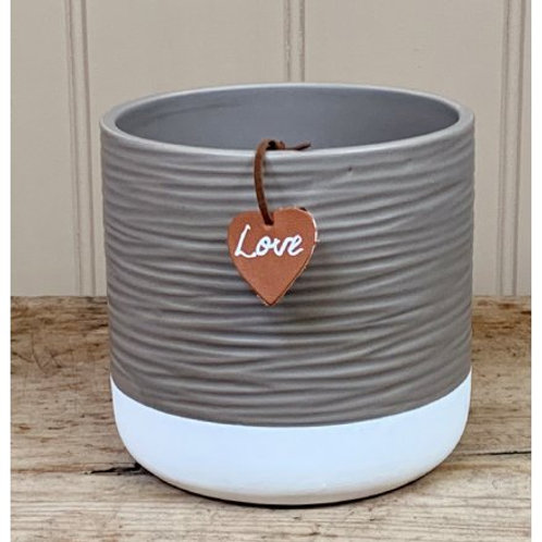 Ceramic Ridge Pot With Leatherette Tag