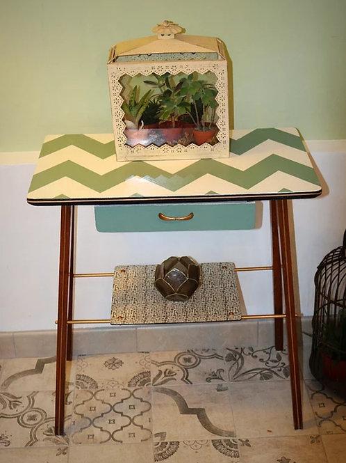 Tavolino Retro Dipinto a Mano Verde e Bianco