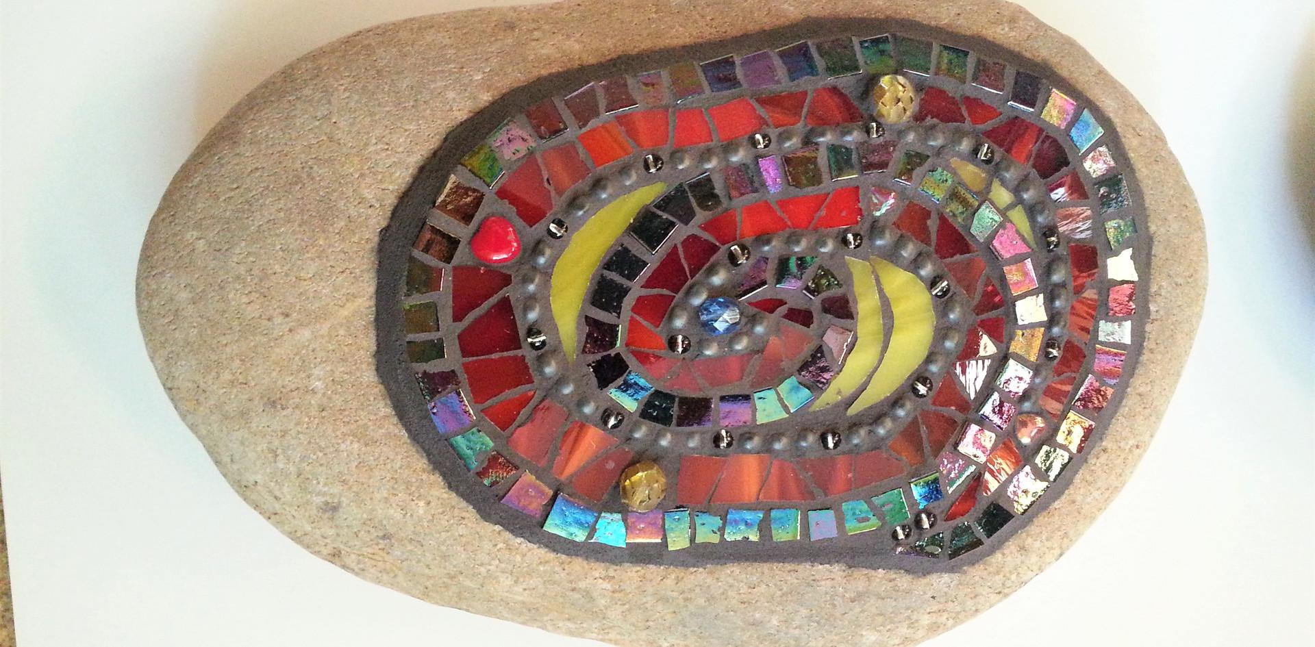 Tiffanyglas auf Stein