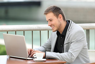 top-5-blogs-job-seekers-99175332.jpg
