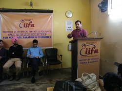 CA Pankaj Mishra addressing satudents of