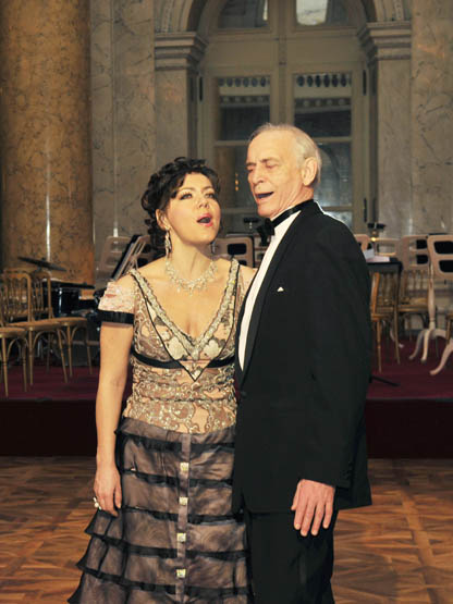 T. Pechnikova & V. Lanovoy