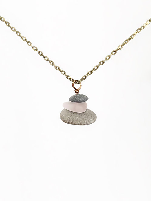 Cairn necklace with recycled glass - Pink or Purple