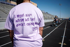 """""""Autism doesn't change me"""" Shirt"""