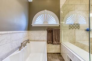 8106 BSR Master Bath-4.jpg