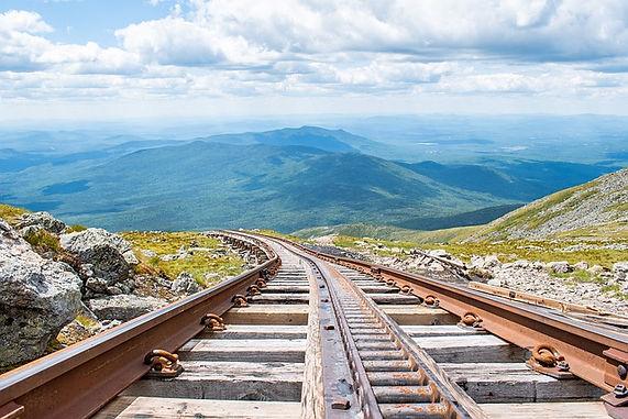 train-5385521_640.jpg