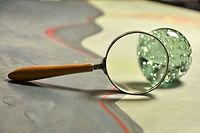 magnifying-glass-3158785_1920.jpg