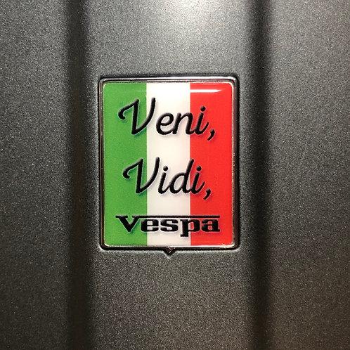 """Plakette für die Kaskade """"Veni Vidi Vespa - Italo"""""""