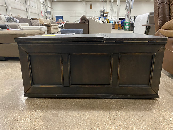 Ashley Gavelston Lift Top Cocktail Table- 93505