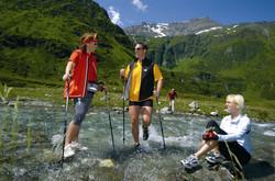 alpine_acqua_walking