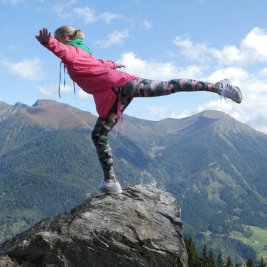 2019-09-19 Russian Mountain girl Biberalm