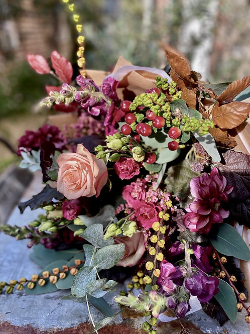 Seasonal Statement Blooms
