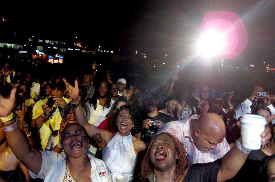 Jamaica_Crowd-YouTube-Tile
