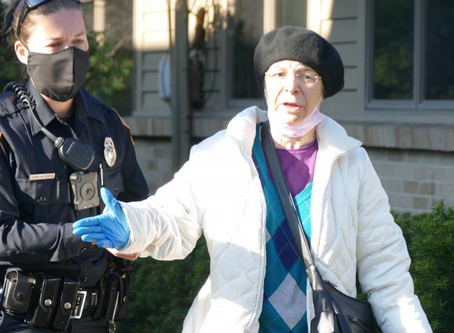 UPDATED: Police arrest peaceful pro-lifers at Red Rose Rescue at Michigan abortion clinic