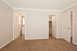 Master B'room Ensuite & Walk-in-Robe