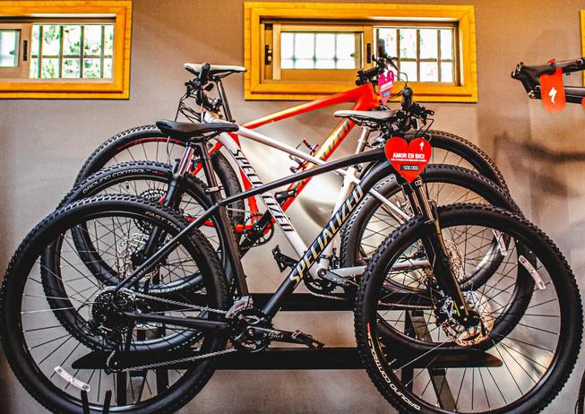 bicicletas-specialized-en-stand.jpg