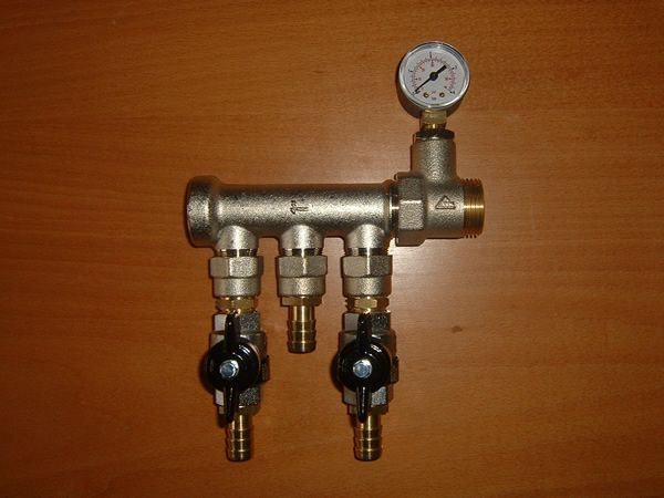 05-6 Gauge manifold