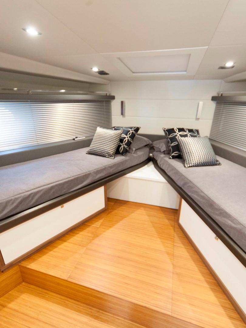 Colorado 56 - rioyachts-cabina prua.jpg