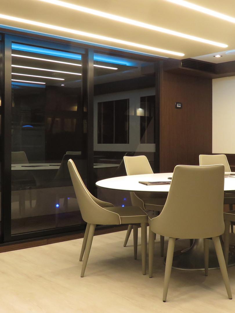 OB64_interior_15.jpg