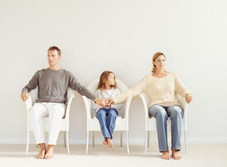 Как помочь ребенку от 0 до 7 лет пережить развод