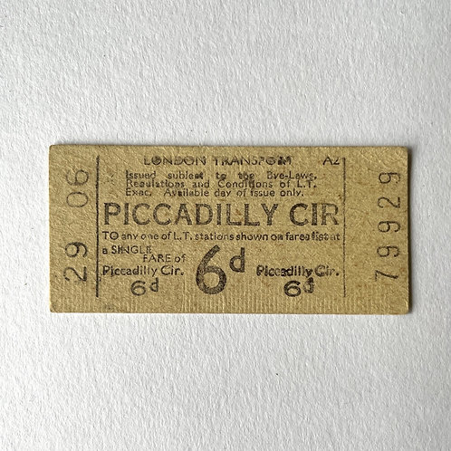 PICCADILLY CIRCUS TICKET - london underground 1950s