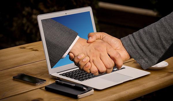 handshake-3382504_1920.jpg