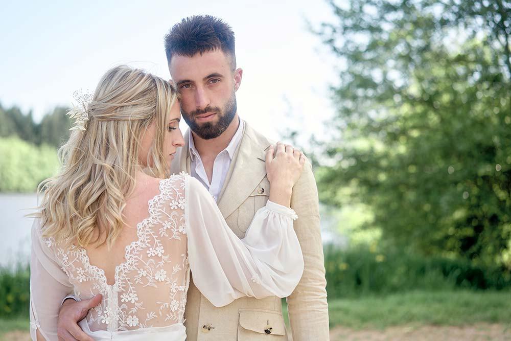 Photo de couple mariage bohème chic