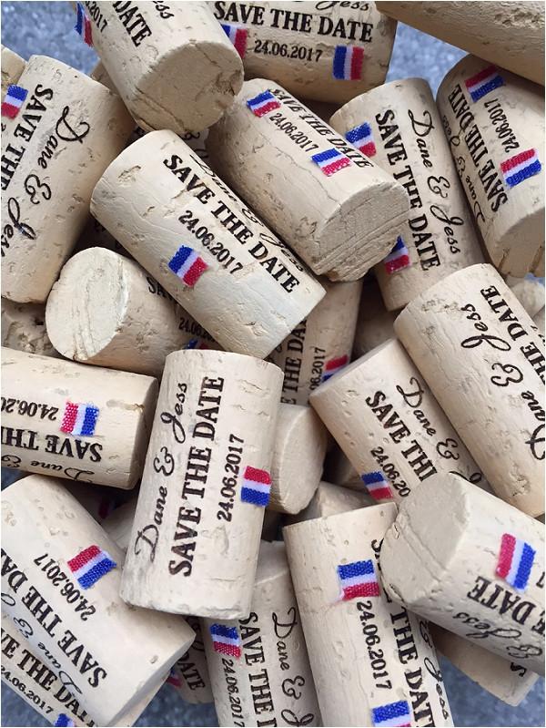 Save the date original sur des bouchons de vin