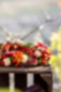 Couronnes de fleurs locales et de saison pour un mariage d'automne éco-responsable
